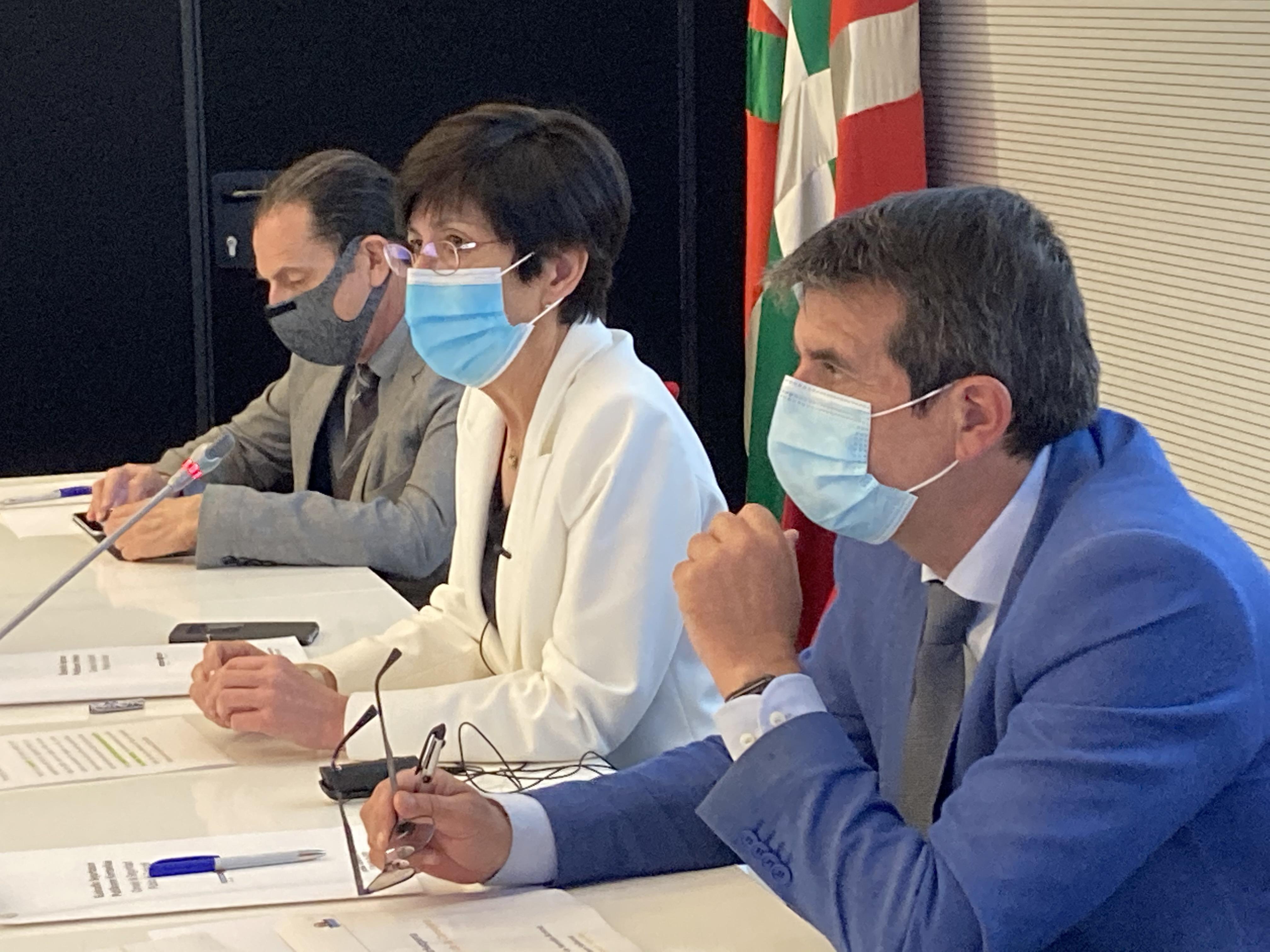 El Consejo de Seguridad Pública de Euskadi celebra su reunión anual para analizar las estadísticas delincuenciales, evaluar y presentar los ejes del nuevo plan [0:00]