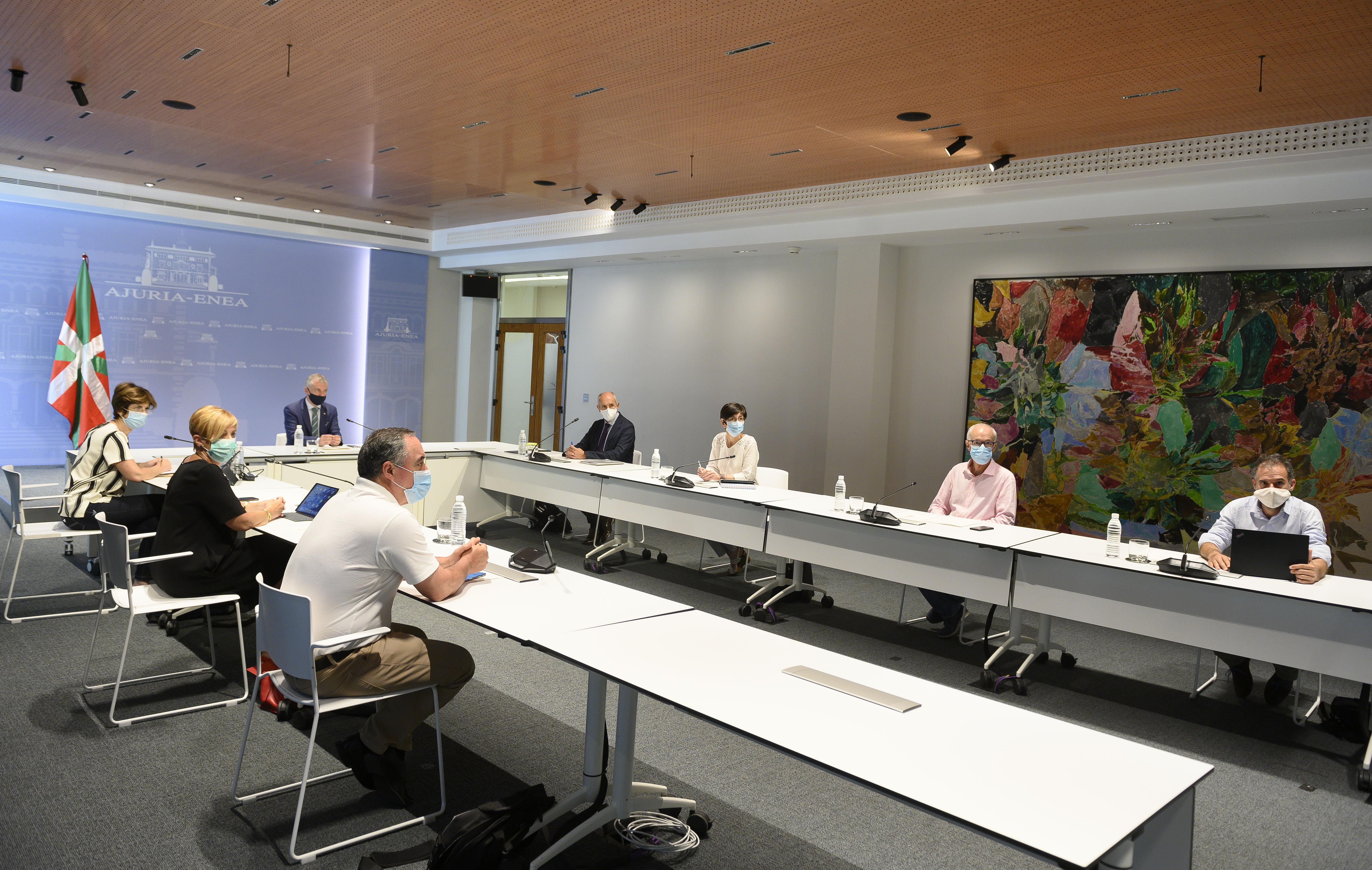 El Lehendakari preside la reunión del comité de seguimiento de la Covid-19