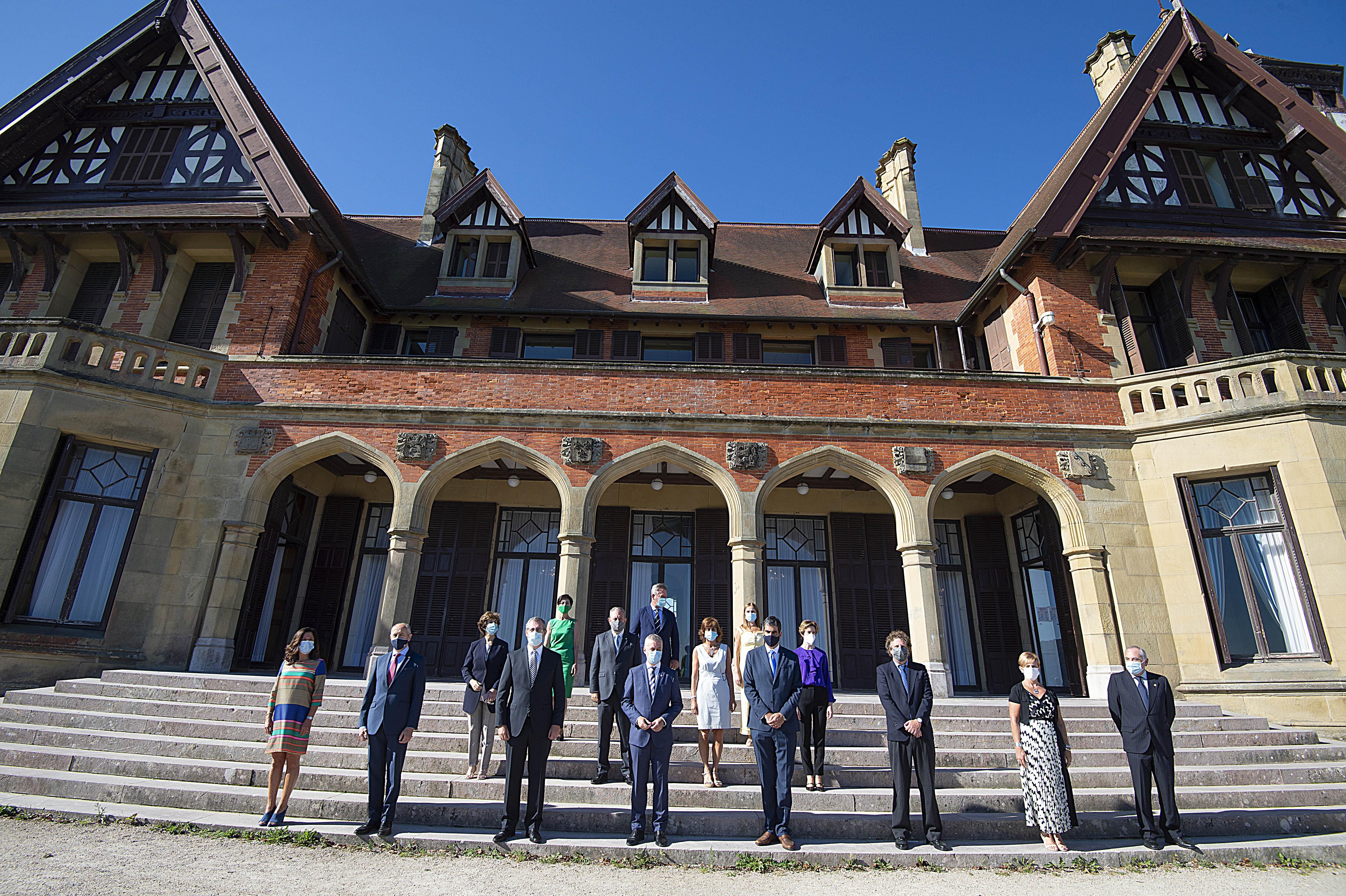El Gobierno Vasco celebra el Consejo de Gobierno en el Palacio Miramar [0:00]