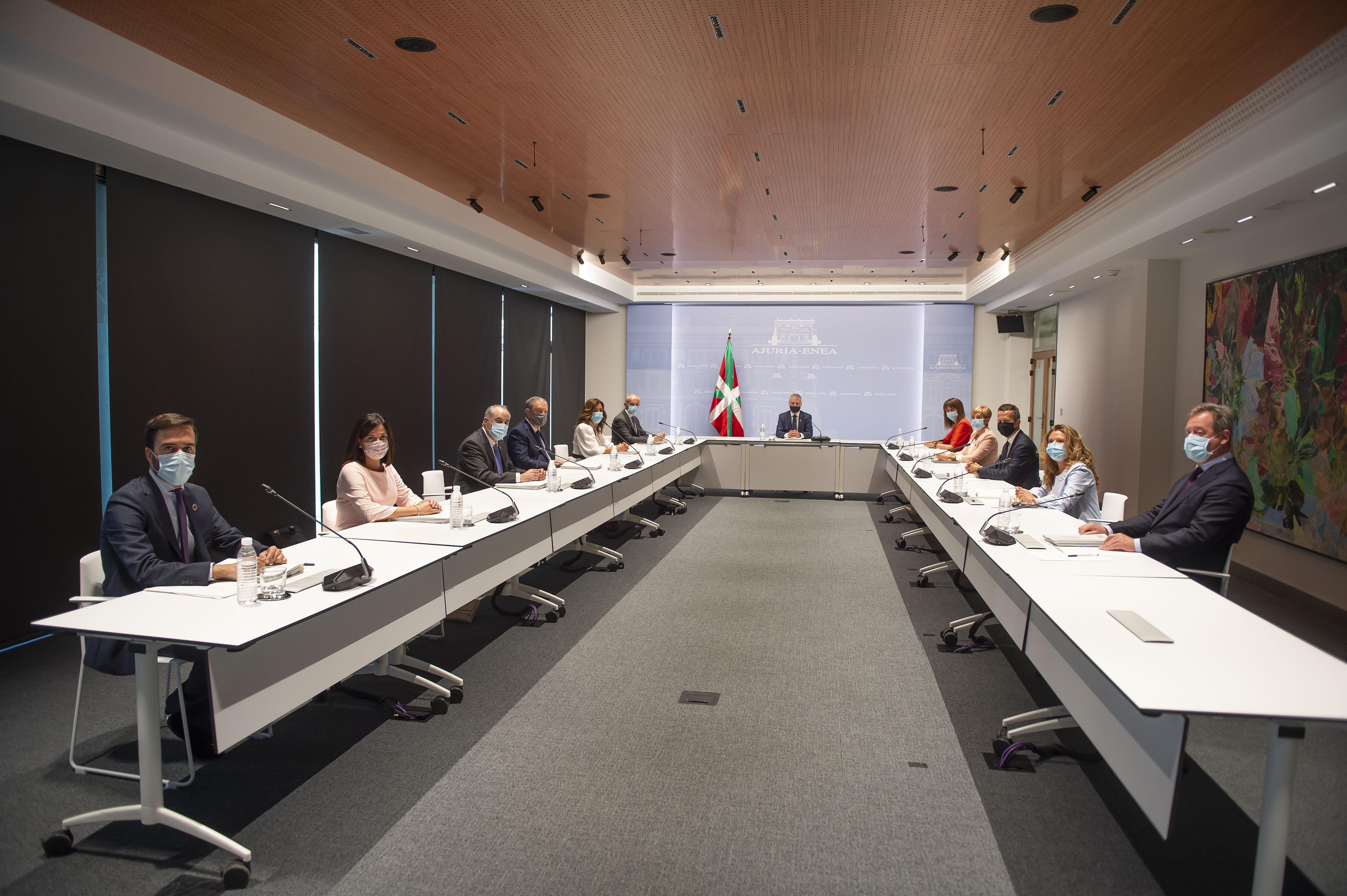 El Gobierno Vasco celebra la primera reunión del Consejo de Gobierno de la XII Legislatura [0:00]