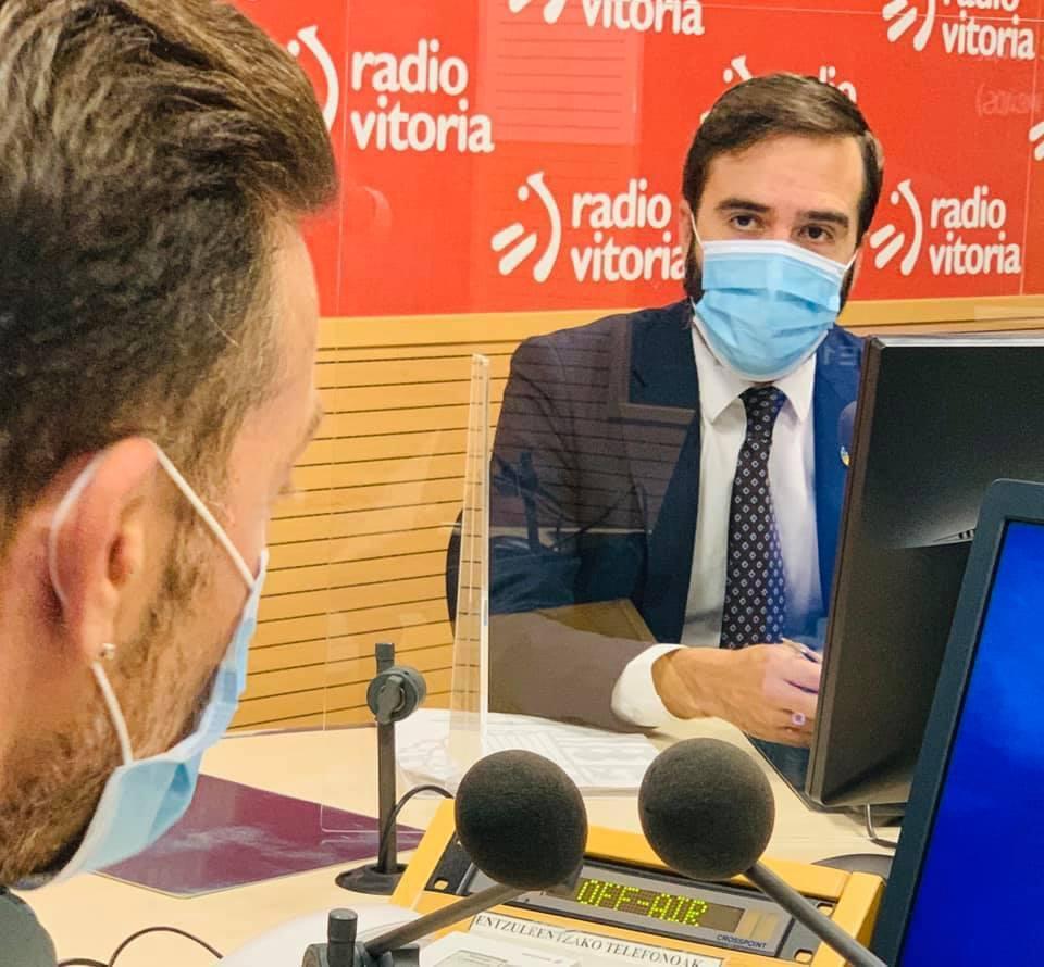 Entrevista al Consejero Javier Hurtado en Radio Vitoria [0:00]
