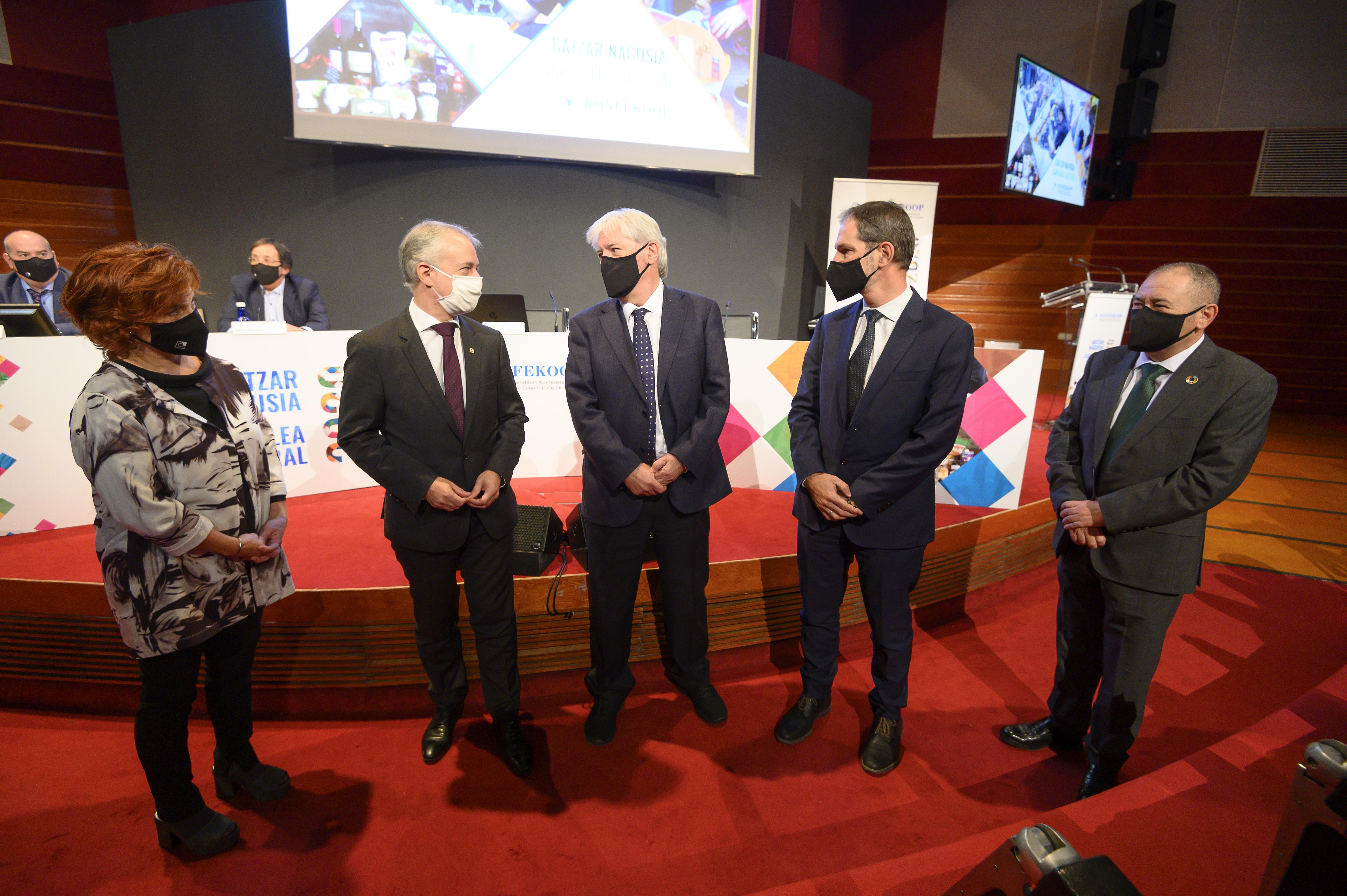 """Lehendakari: """"Euskadi enfoca el futuro con previsión y colaboración, siempre con la persona en el centro de nuestra actividad pública"""" [0:00]"""