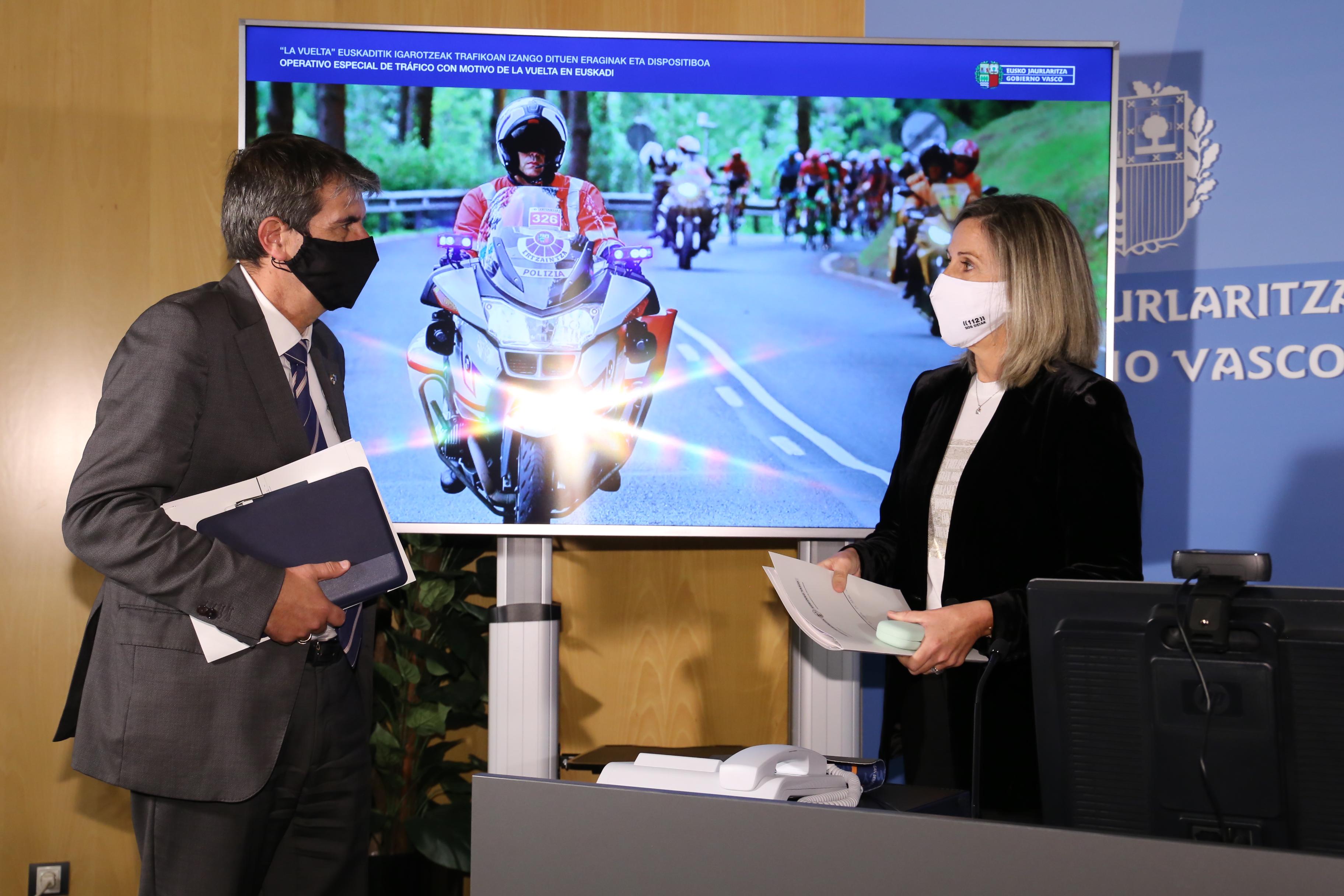 Josu Zubiaga y Sonia Díaz de Corcuera explican el dispositivo y las afecciones al tráfico con motivo de La Vuelta a su paso por Euskadi [0:00]