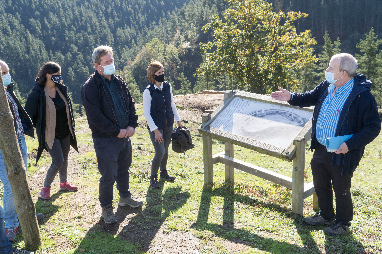 El Gobierno Vasco declarará Bien Cultural de Protección Especial, con la categoría de Zona Arqueológica, el poblado fortificado del Cerco de Bolunburu, en Zalla [0:00]