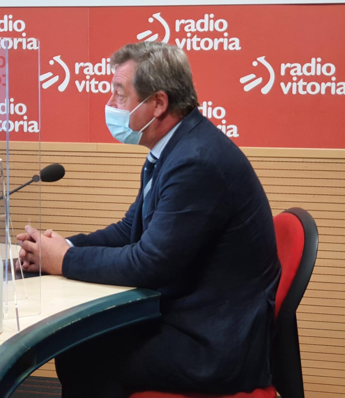 """Bingen Zupiria: """"Es importante cumplir las medidas, en gran parte impedir el contagio depende de cada uno de nosotros y nosotras"""" [0:00]"""