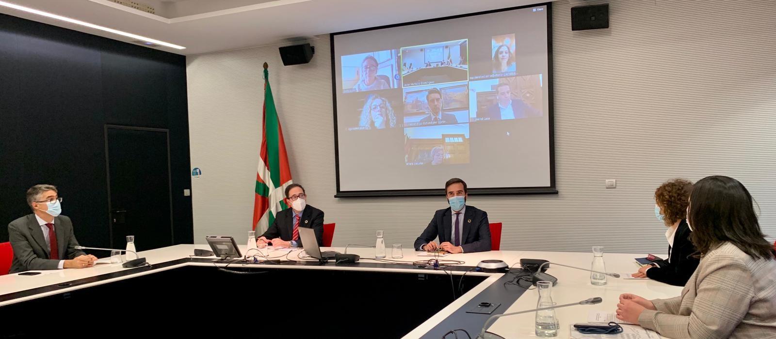 El Consejero Javier Hurtado anuncia 15 millones extras para el Plan de resistencia del turismo, hostelería y comercio [0:00]