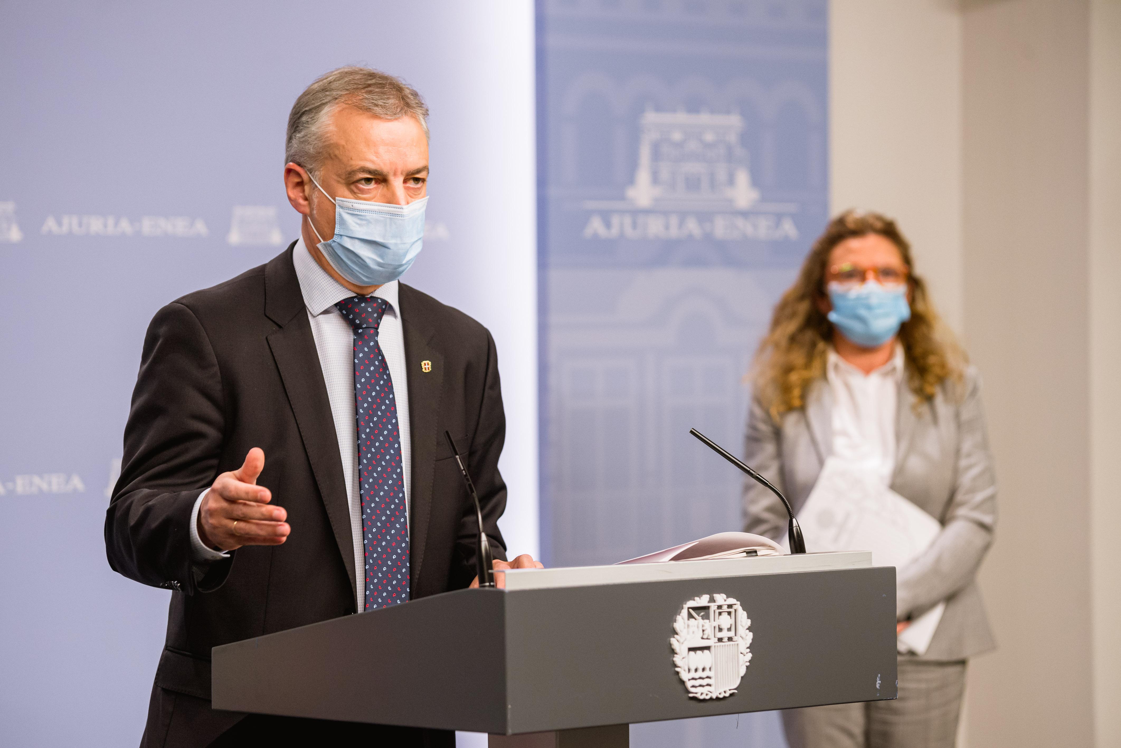 El Lehendakari llama a restringir todo lo posible la vida social y movilidad para evitar un nuevo confinamiento [0:00]