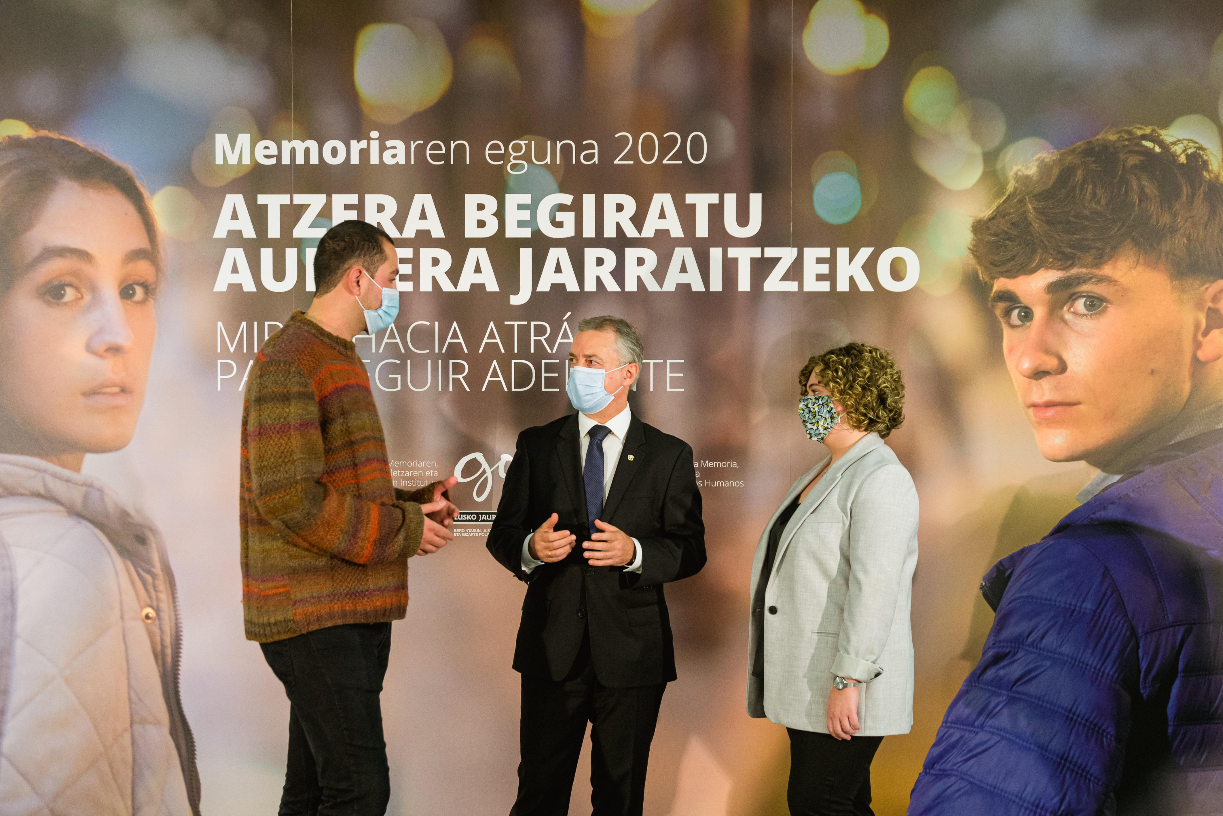 """Lehendakariak, memoria egunean, gazteek """"Euskadiren memoria hurbila ezagutzeko"""" duten eskubidea nabarmendu du [0:00]"""