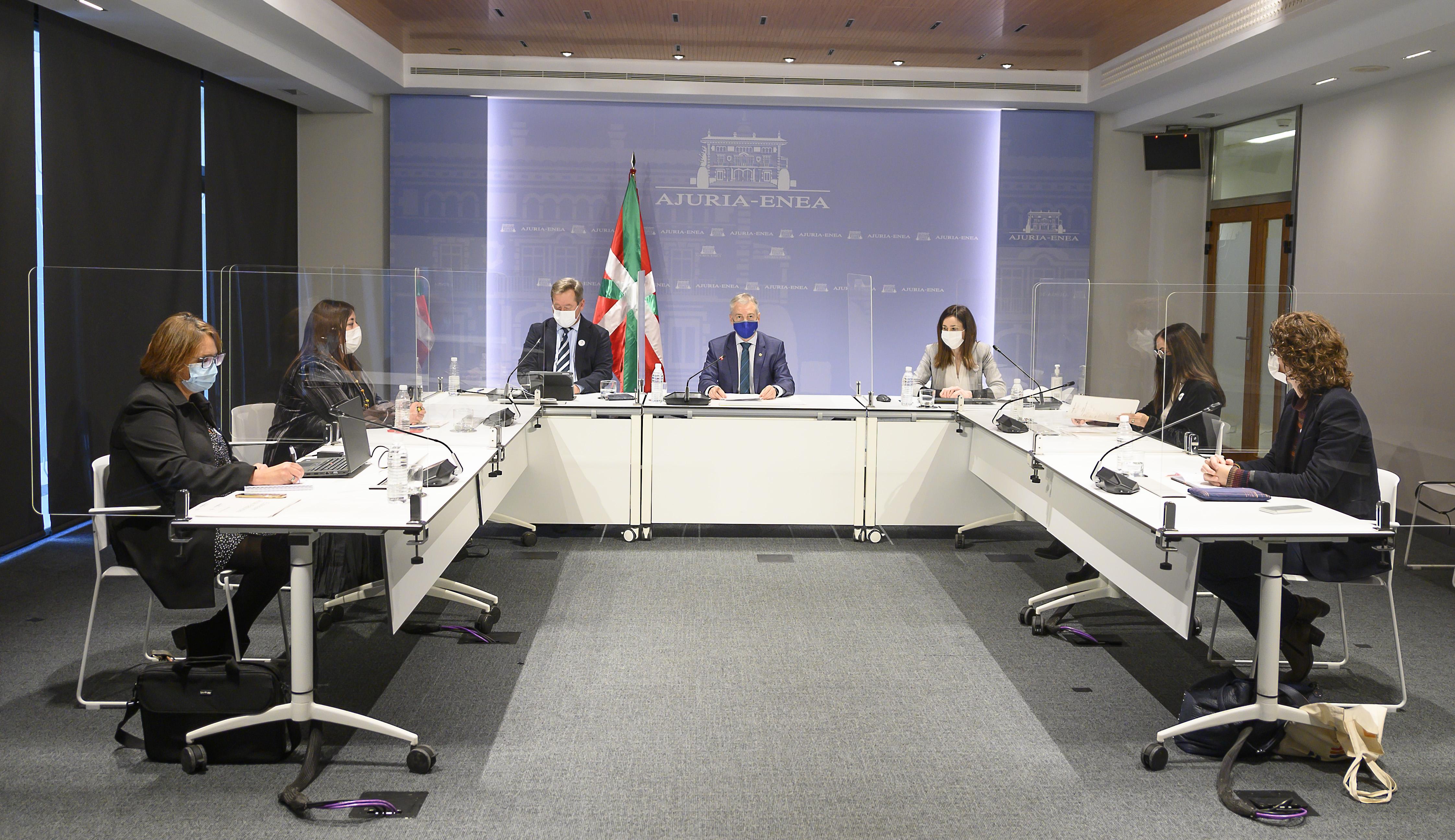 El Lehendakari subraya en la reunión del Consejo Asesor del Euskera que el euskera es un compañero de viaje imprescindible para salir de situaciones difíciles [0:00]