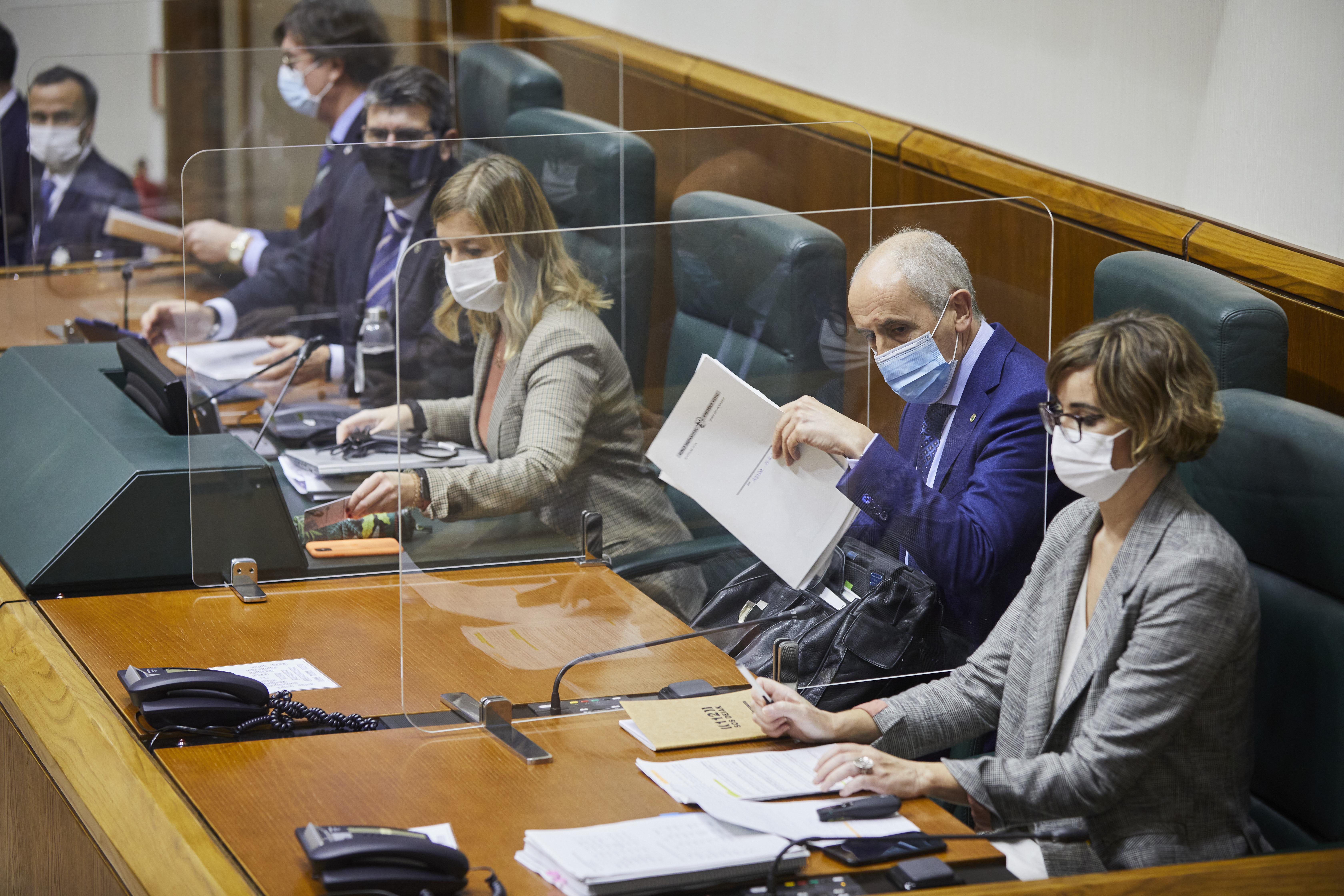 El Gobierno comienza, en 2021, a extender el uso de sistemas de grabación a las patrullas de seguridad ciudadana de Vitoria-Gasteiz, Bilbao e Irún [130:56]