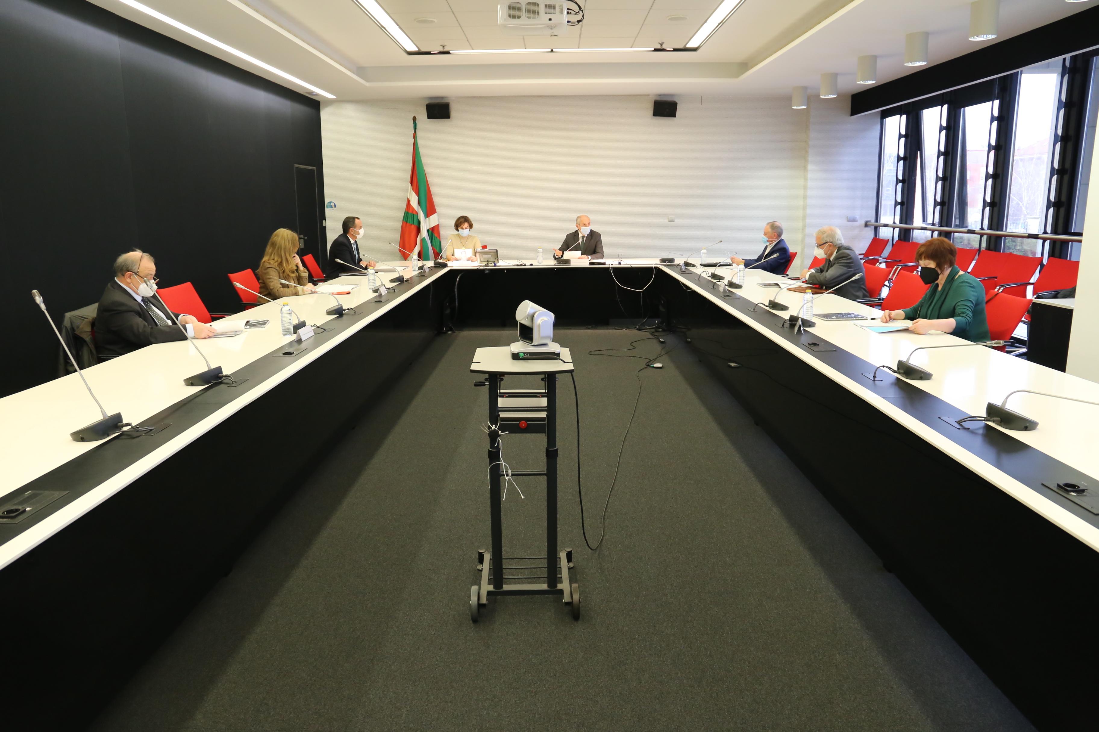 """Se constituye la """"Comisión de Control y Transparencia de la Policía del País Vasco""""  [0:59]"""