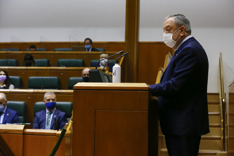 foto_2_parlamento.jpg