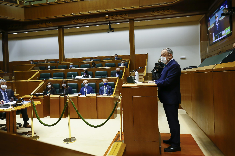 foto_3_parlamento.jpg