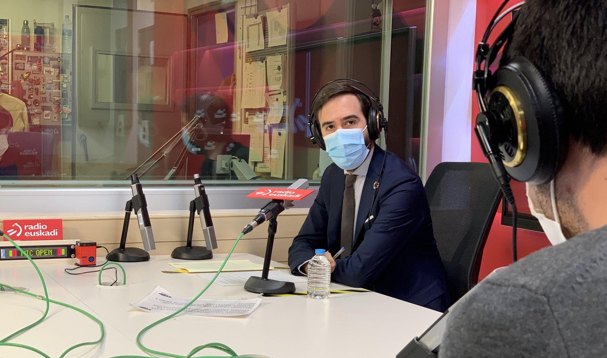 El Consejero Javier Hurtado anuncia que el Departamento lanzará una nueva línea de ayudas directas para los sectores más afectados del comercio de Euskadi [19:56]