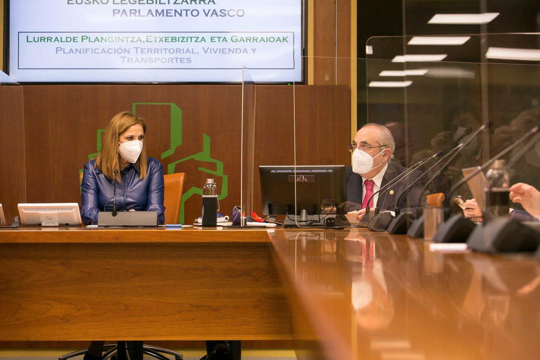 Comisión de Planificación Territorial, Vivienda y Transportes (12/2/2021) [83:08]