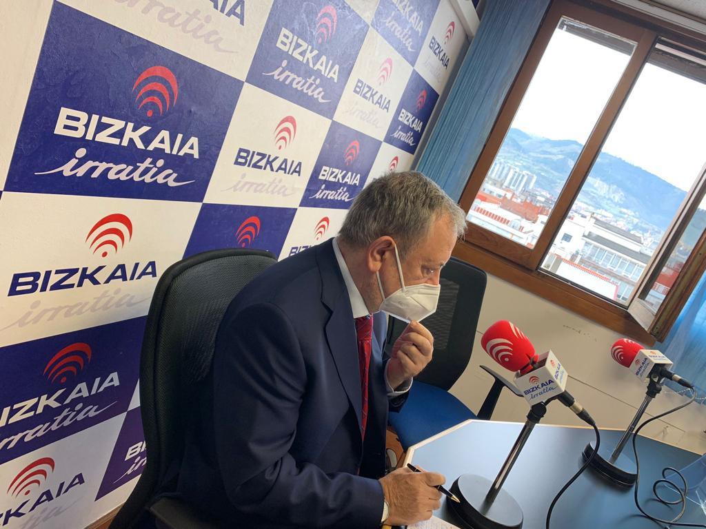 """Pedro Azpiazu: """"Los 180 millones de euros van a suponer un gran impulso para las comarcas y para la economía vasca"""" [15:43]"""