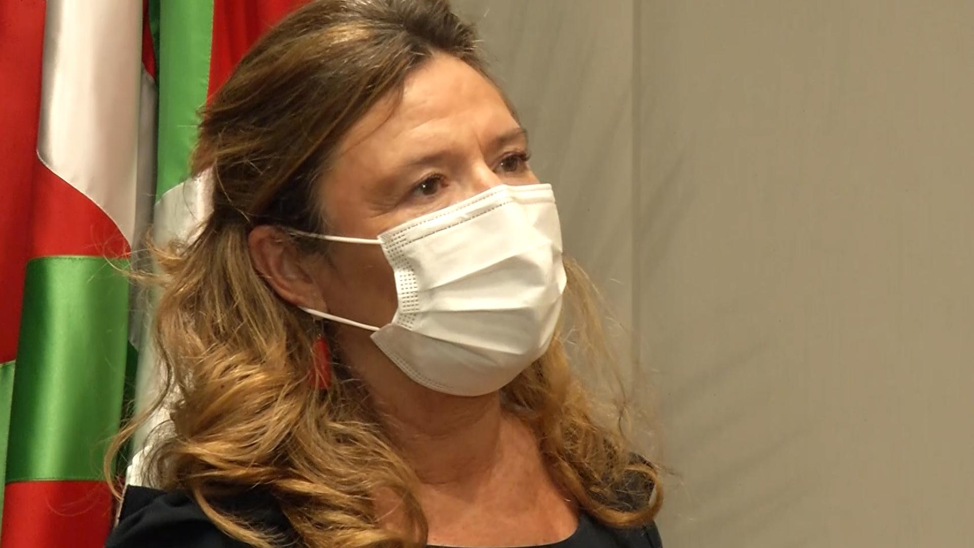 Euskadi paraliza preventivamente la vacunación con Astra Zeneca  [2:44]