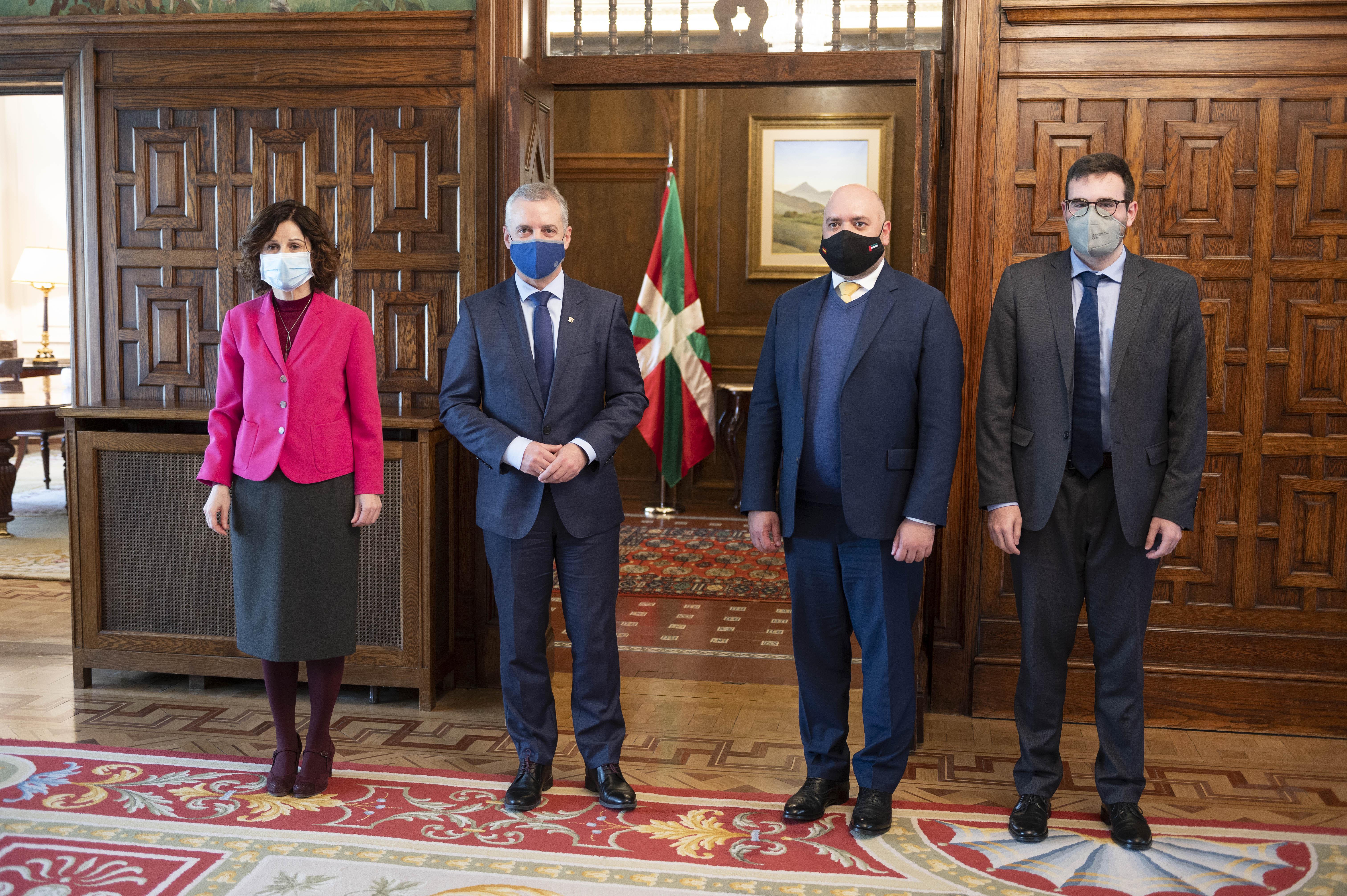 El Lehendakari recibe al Embajador de Emiratos Árabes [1:24]