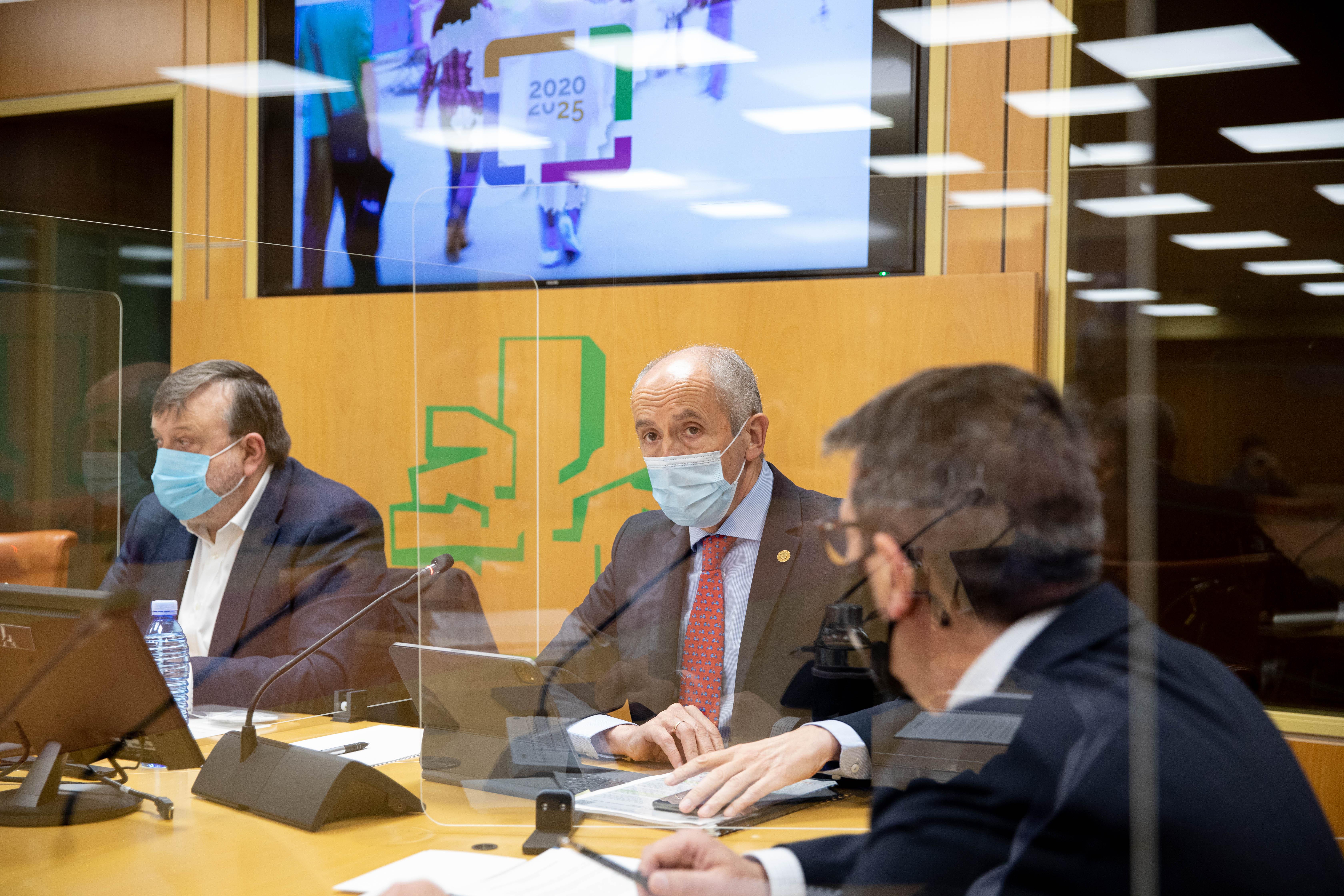"""Josu Erkoreka presenta en el Parlamento el nuevo """"Plan General de Seguridad Pública de Euskadi 2025"""" [123:45]"""