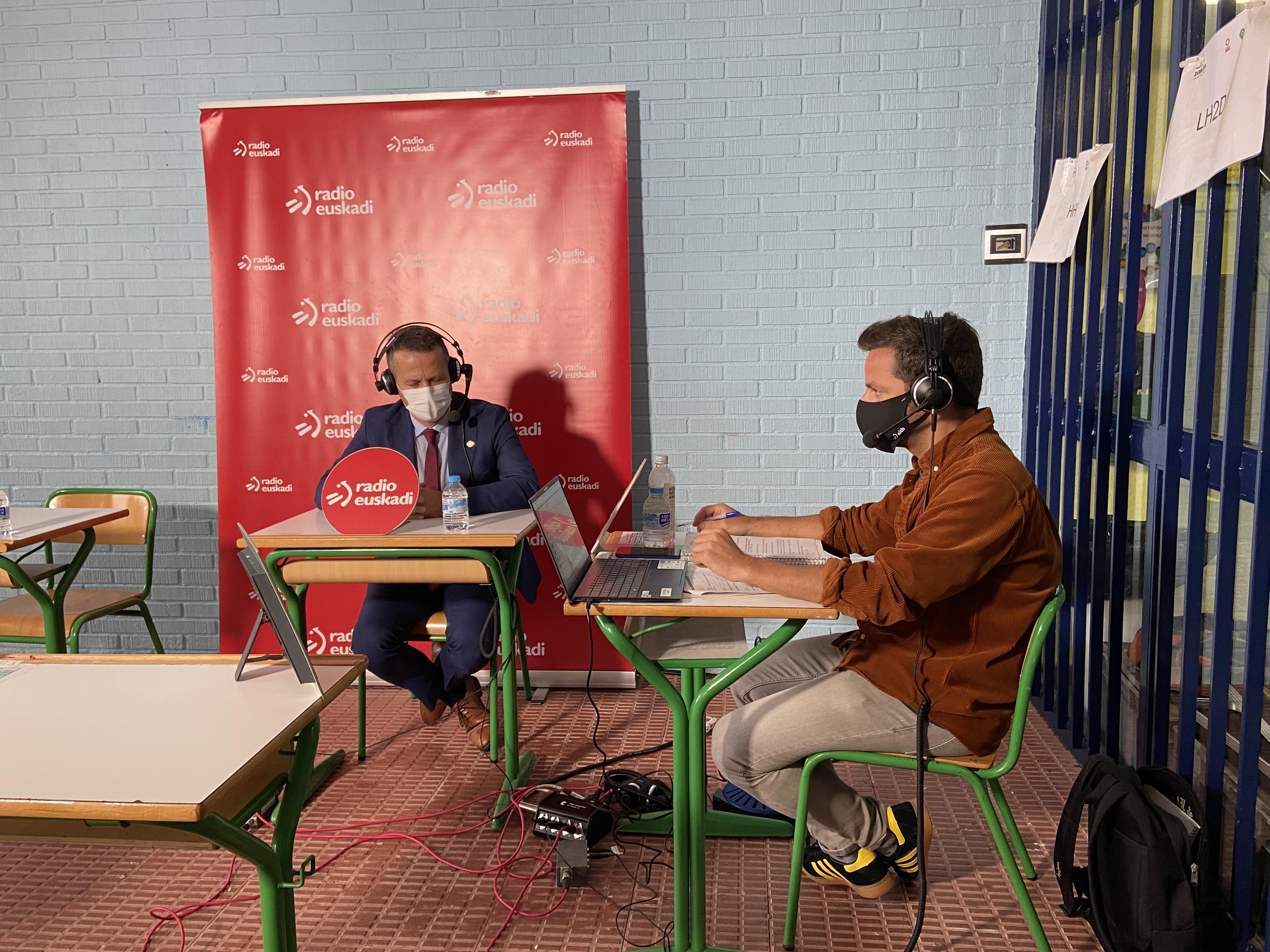 Jokin Bildarratzi elkarrizketa Radio Euskadin, Getxoko Zubilleta ikastetxe publikotik [29:50]