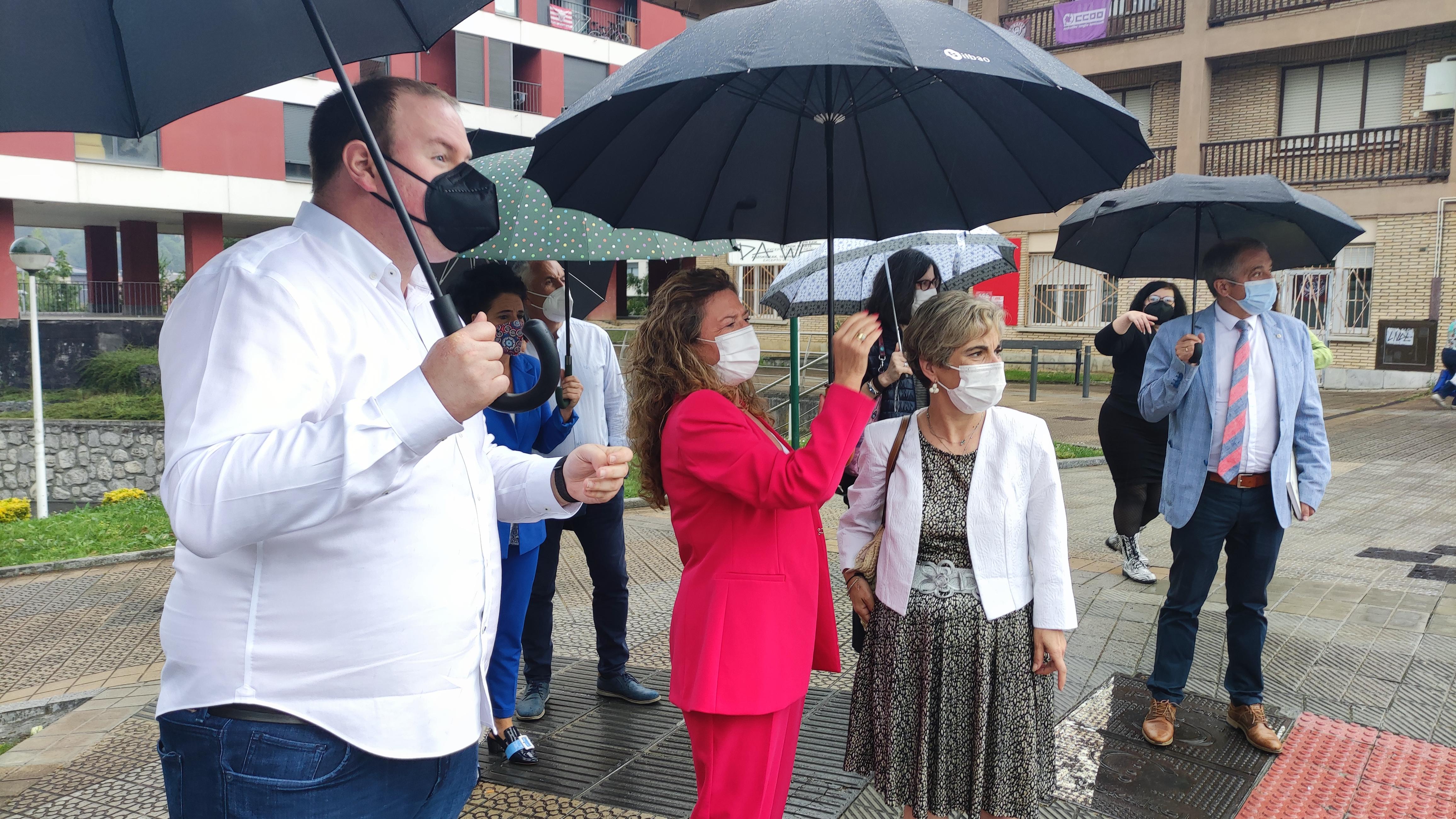 La Consejera de Salud visita el lugar donde se levantará el nuevo centro de salud de Llodio [16:34]