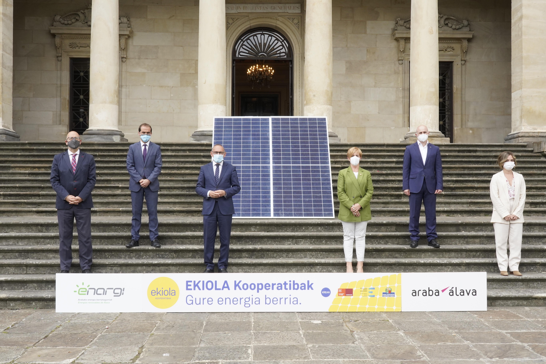 La Diputación Foral, el Gobierno Vasco y Grupo Mondragón impulsarán seis cooperativas energéticas en las Cuadrillas alavesas [20:58]