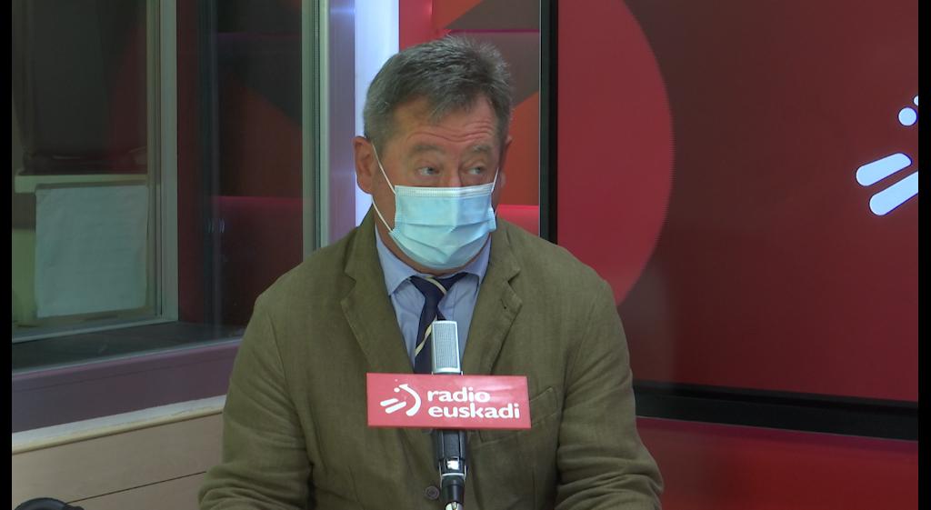 """Bingen Zupiria: """"Txertaketa itxaropenerako arrazoia da, baina ez dezagu ahaztu behar pandemian jarraitzen dugula eta zuhurtziaz bizi behar dugula"""" [22:28]"""