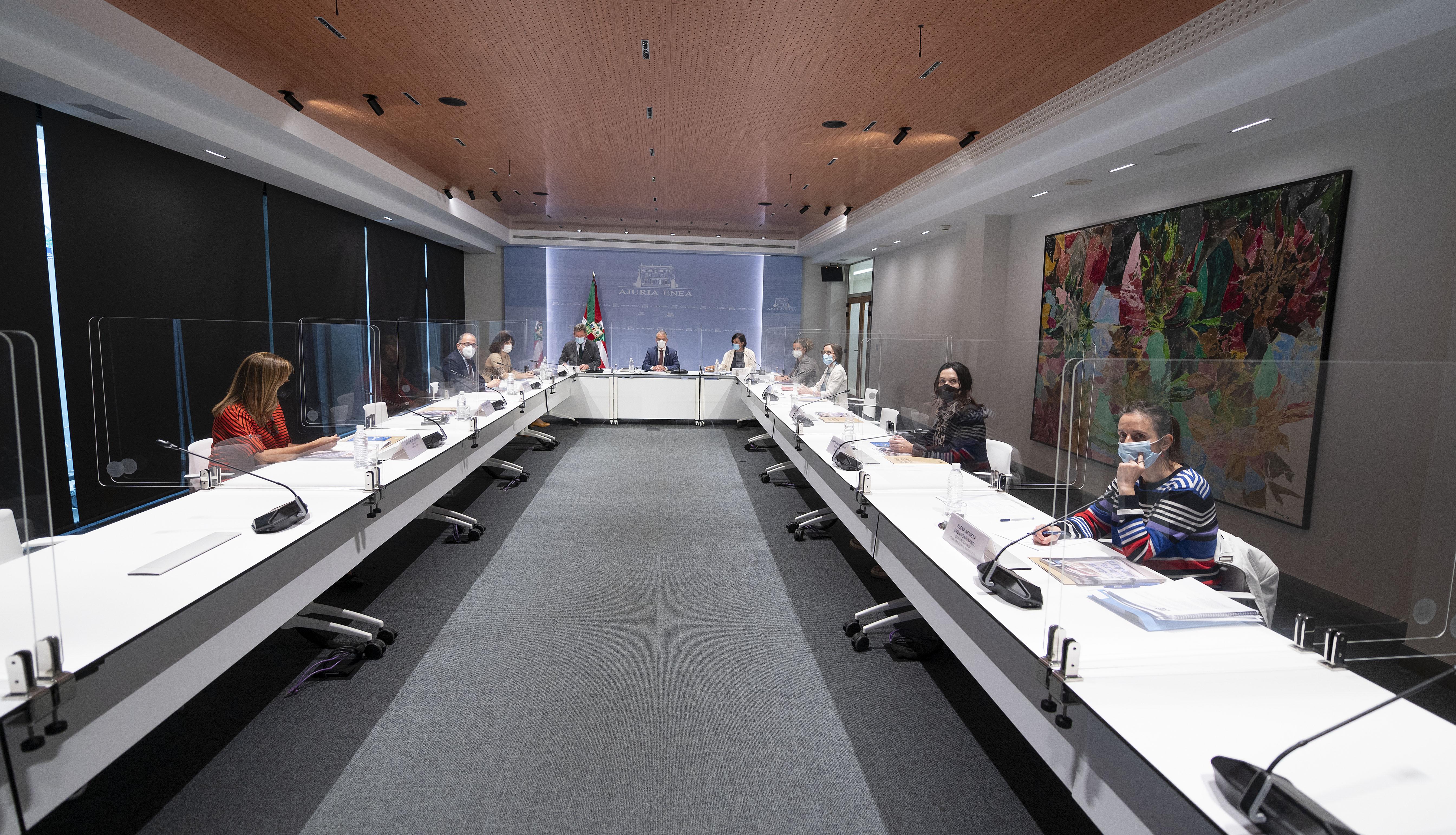 El Lehendakari ha presidido hoy la reunión del Patronato de Etxepare Euskal Institutua [1:07]