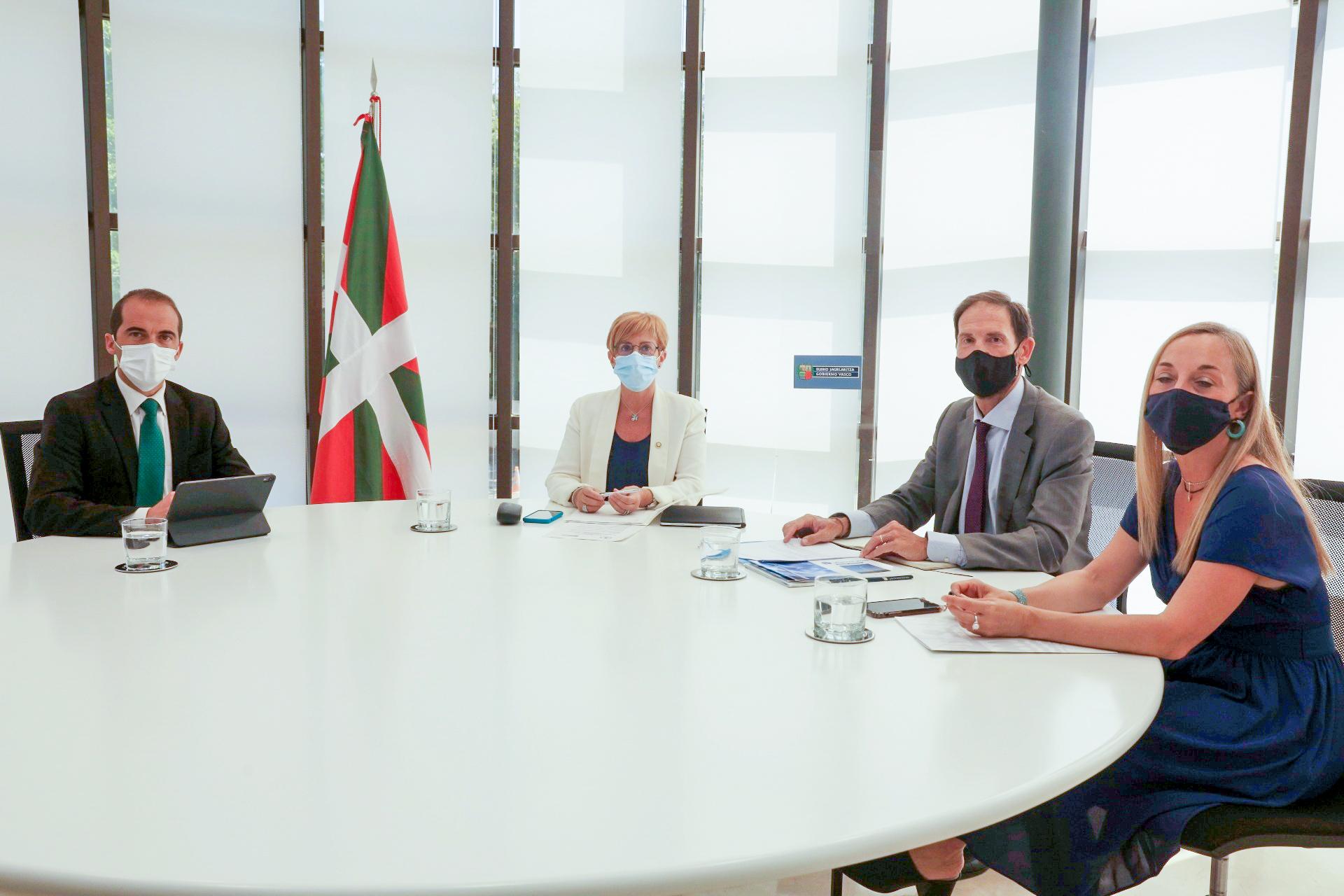 Euskadi y el estado de Virginia firman un acuerdo para el desarrollo e implantación de energías renovables [2:22]