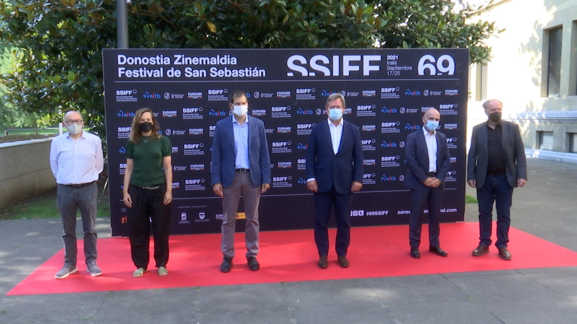 Bingen Zupiria asiste a la presentación del cine vasco de la 69 edición del Festival de San Sebastián [11:56]