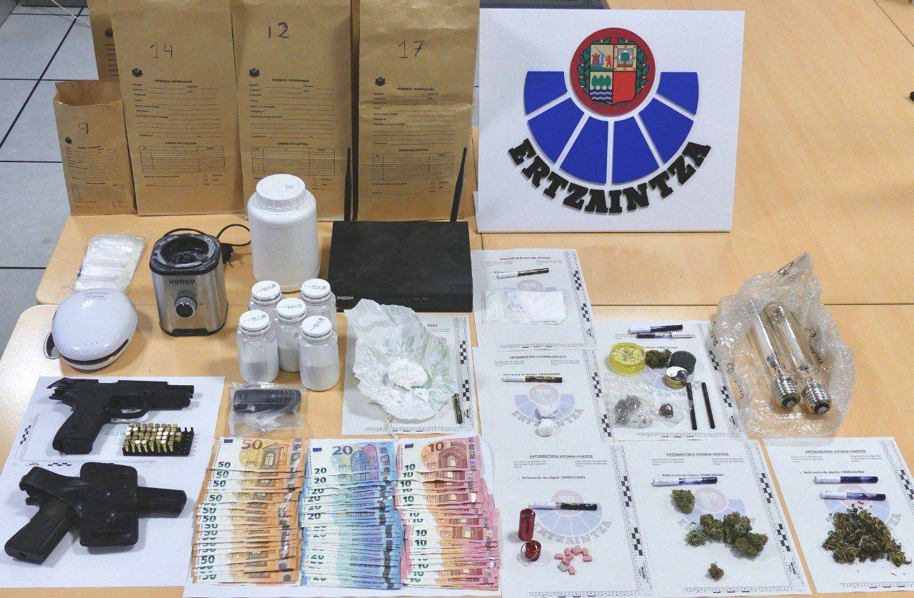 Gasteiz, tres detenidos por tráfico de drogas [0:36]