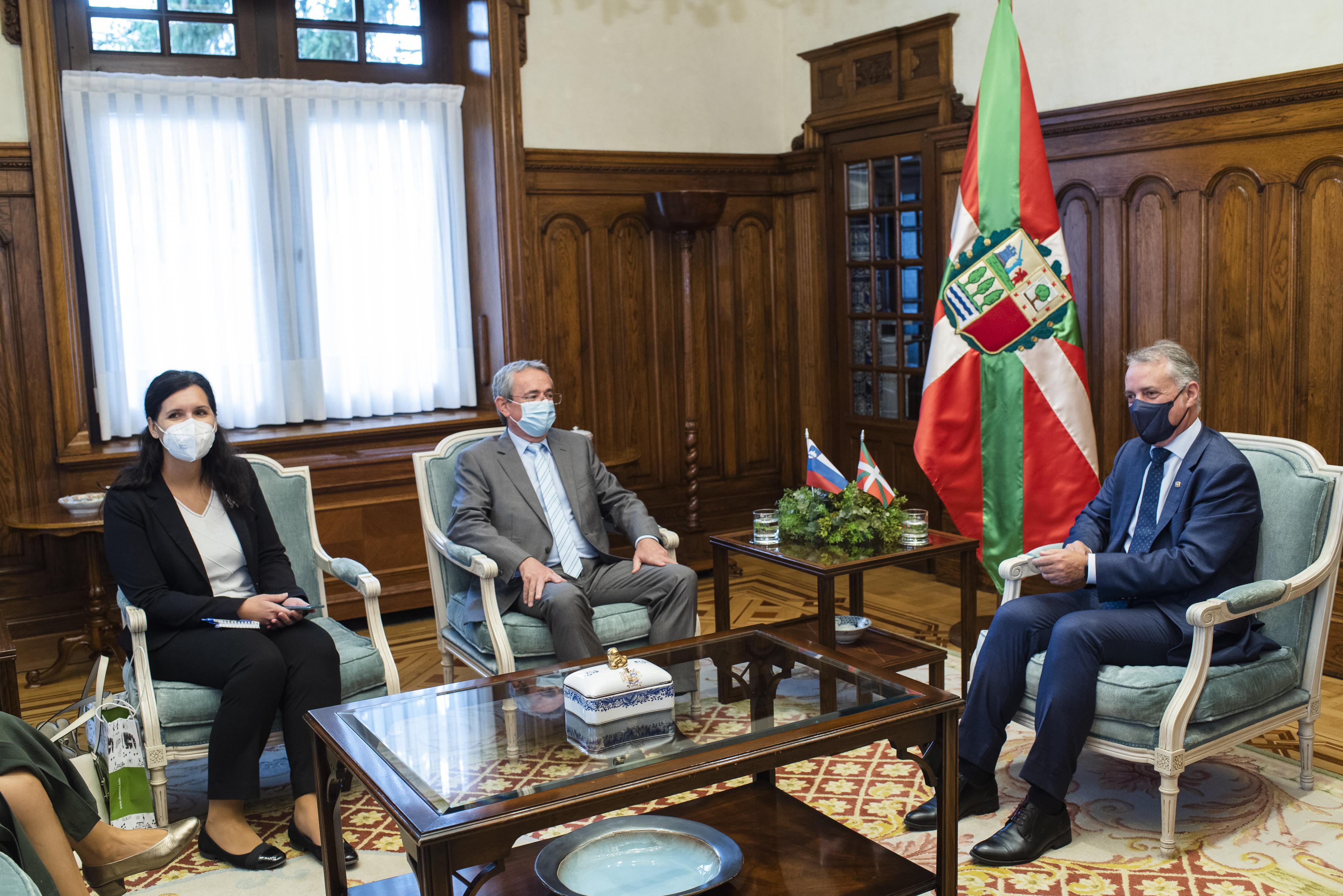 Embajador_eslovenia_ajuriaenea21-9-2021_usual-1393.jpg